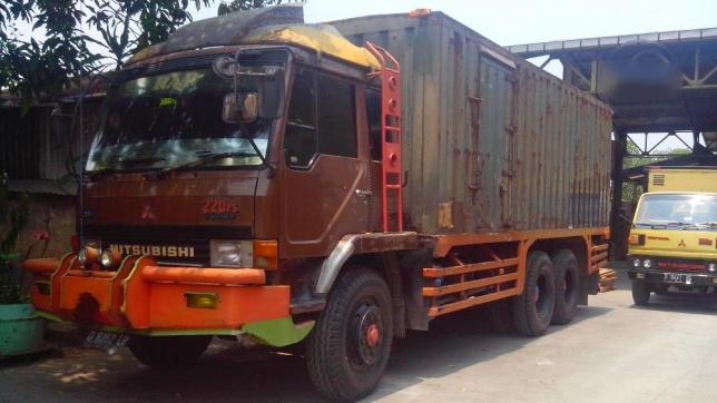 Mitsubishi Fuso Tronton 6x2 Thn 2000 Ganjo 296512