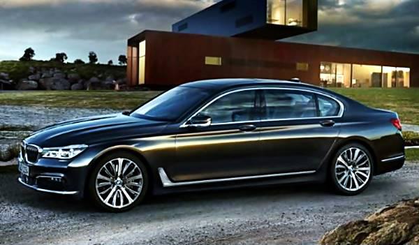 BMW 7 Series 2017 warna hitam di tempat wisata Indonesia