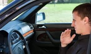 Tips Menghilangkan Bau Bensin Di Kabin Mobil