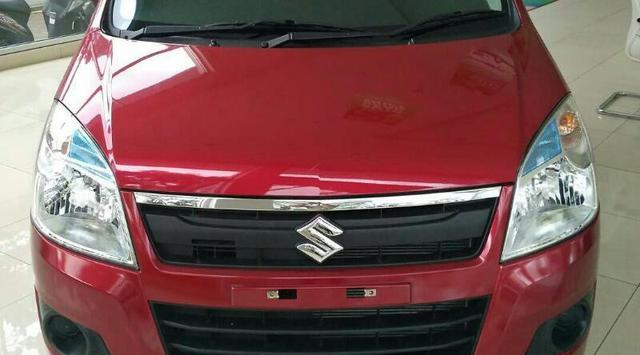 Gambar Suzuki Karimun Wagon R berwarna merah Terbaru disiarkan dunia maya