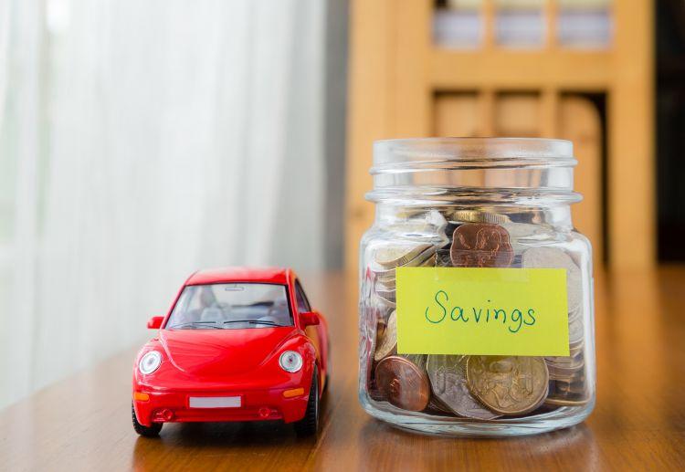 menabung uang untuk membeli mobil impian