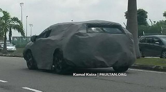 Honda CR-V 2017 masih tertutup dengan kain hitam