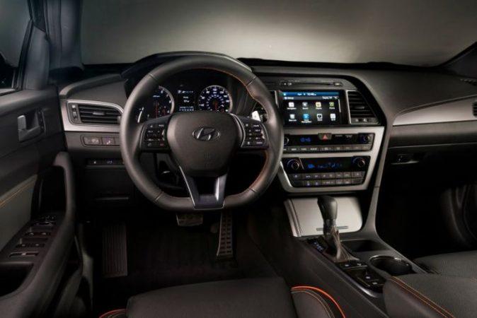 Hyundai Sonata 2018 dengan banyak fitur diupdate dalam bagian interior