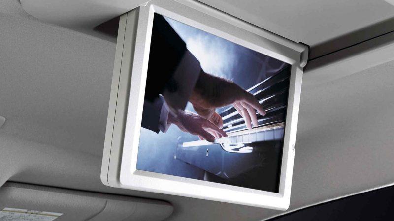 Monitor touchscreen sebesar 11 inci dipasang untuk mobil Nissan Elgrand 2017