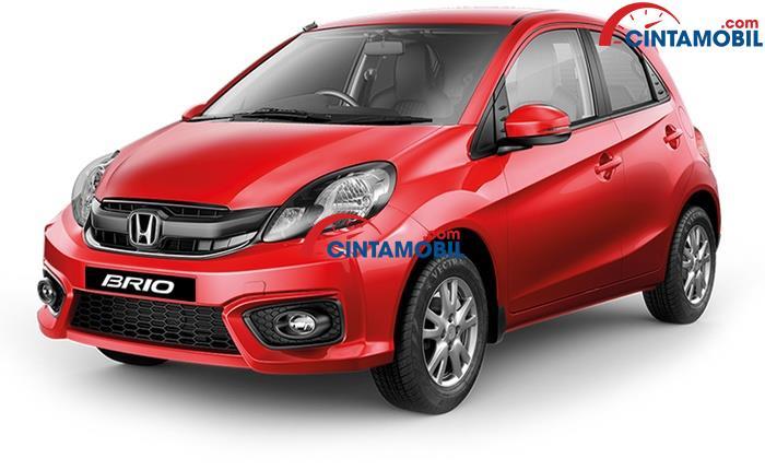Honda Brio Satya berwarna merah