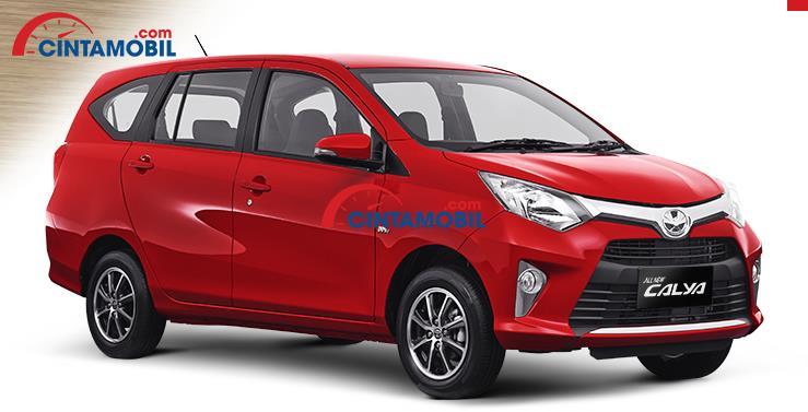 Toyota Calya berwarna merah