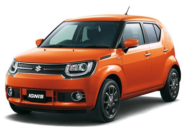 gambar mobil Suzuki Ignis 2017 berwarna orange sedang di pameran otomotif Indonesia