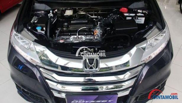 gambar bagian mesin mobil Honda Odyssey 2017