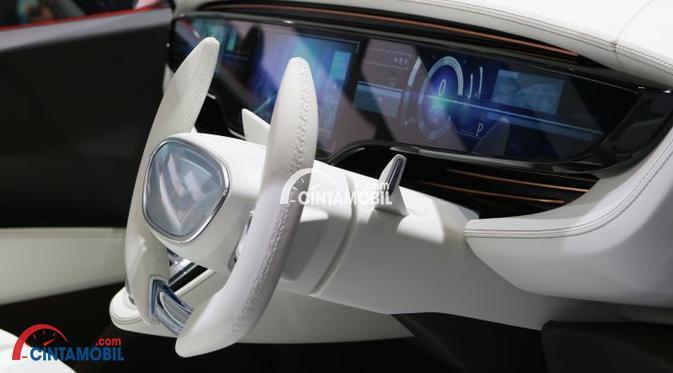Desain setir mobil Toyota Avanza 2018 berwarna putih