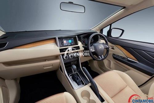 Desain bagian dashboard mobil Nissan Grand Livina 2019