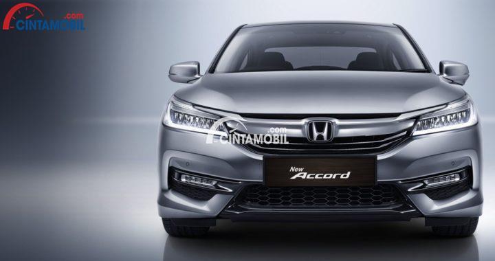Gambar mobil New Honda Accord 2017 berwarna abu-abu dilihat ddari bagian depan