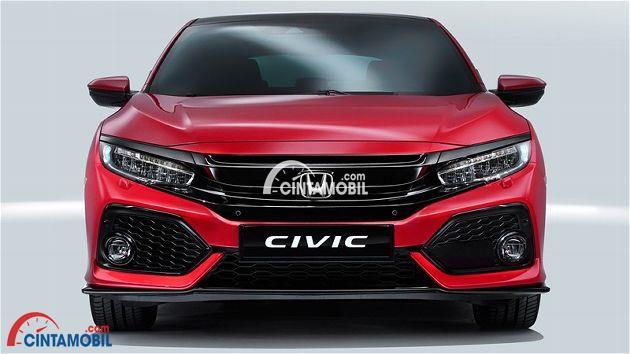 Gamabr mobil Honda Civic hatchback yang bisa melihat dengna jelas bagian Bumpernya