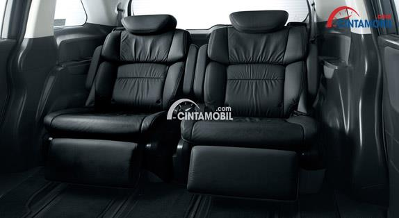 Honda Odyssey 2017 sudah terdapat Seat Premium berwarna hitam