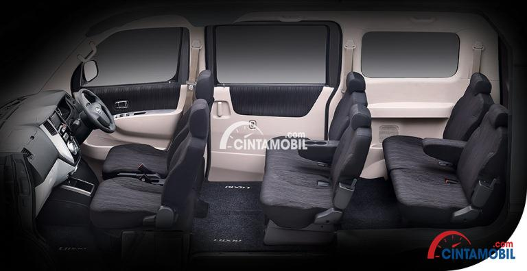 Gambar ruang kursi mobil Daihatsu Luxio 2016 dengan kursi berwarna hitam