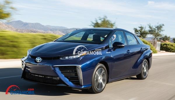 Toyota, Hadangan Baru Tesla untuk Kendaraan Listrik di Masa Depan