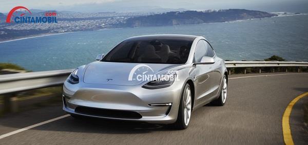 Kabar Buruk, Produksi Tesla Model 3 Akan Molor karena Penjualan Rendah