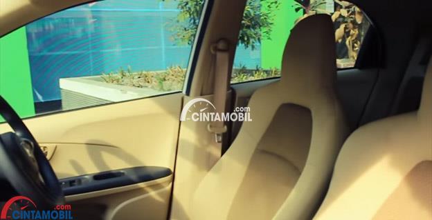 Gambar menunjukkan fitur Semi Bucket Honda Brio 2016