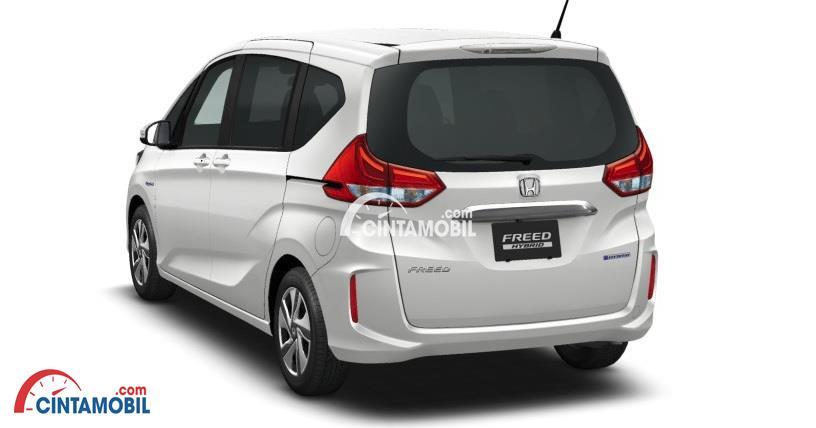 Gambar mobil Honda Freed 2018 berwarna putih dilihat dari sisi belakang