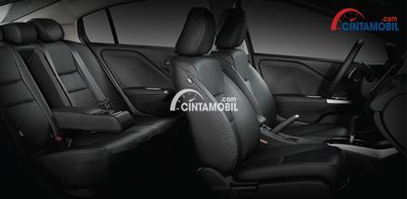 Gambar bagian kursi Honda City 2018 dengan jok ditutupi dengan kulit berwarna hitam