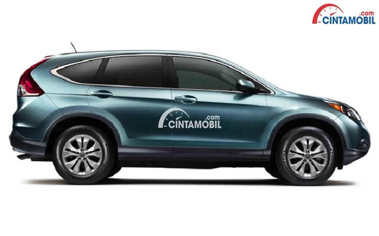 Gambar bagian samping Honda CR-V 2015 berwarna hijau