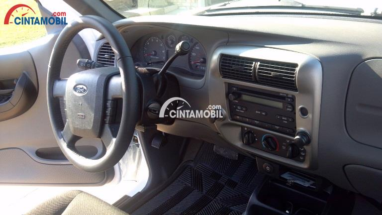 Gambar bagian dashboard mobil Ford Ranger 2009 double cabin
