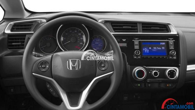 Gamabr bagian setir mobil Honda Fit 2017 dan Sisi setir sudah dilengkapi dengan steering switch control