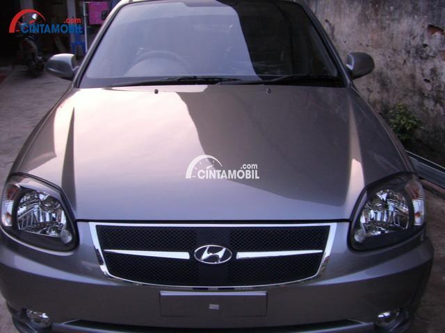 gambar bagian depan Hyundai Avega 2008
