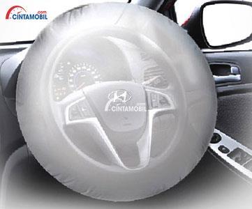 gambar airbag di mobil Hyundai Grand Avega 2013