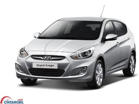 gambar Hyundai Avega 2013 secara keseluruhan