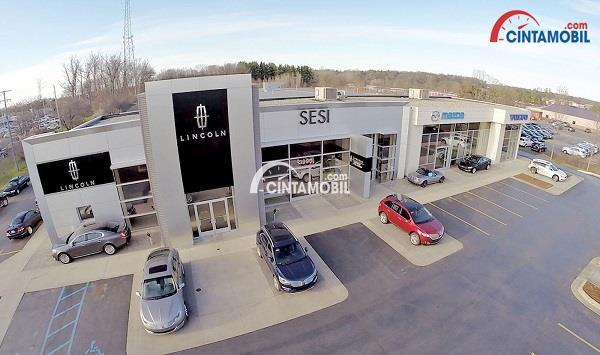 Setiap Pelanggan yang Membeli Mobil di Dealer ini akan Mendapatkan Website Pribadi