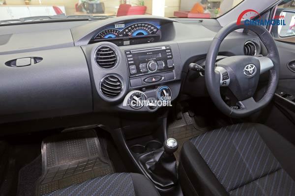 gambar dashboard dan setir Toyota Etios 2016