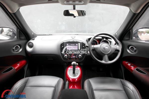 Gambar ruang Kabin dan Dashboard mobil Nissan Juke 2017