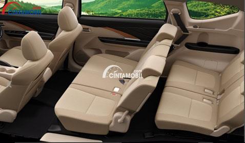 Gamabr ruang kabin mobil Mitsubishi Expander 2017 dengan kursi berwarna kream