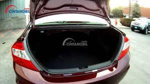 Gambar ruang bagasi mobil Honda Civic 2012