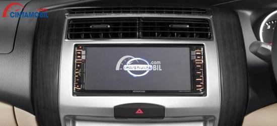 Fitur 2 DIN di mobil  Nissan Grand Livina 2017