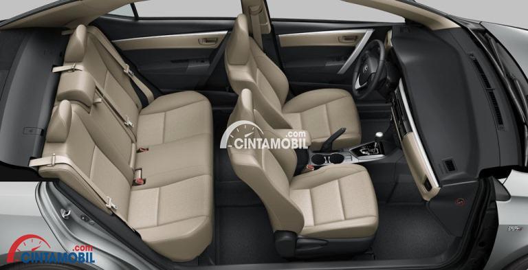 Gambar menunjukkan kursi di Toyota Corolla Altis 1.8 V AT 2017