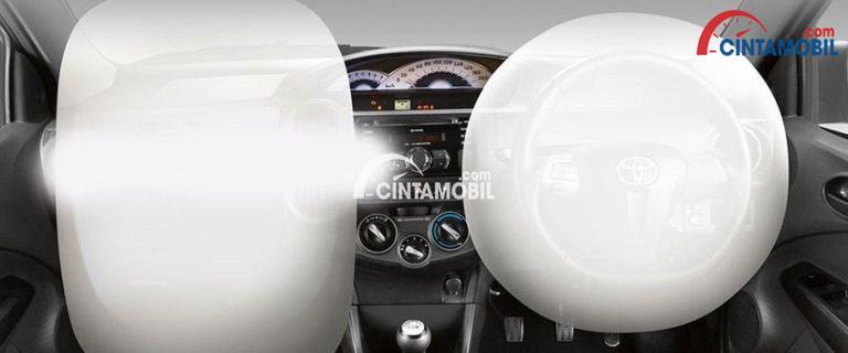 Fitur airbag di mobil Toyota Etios 2017