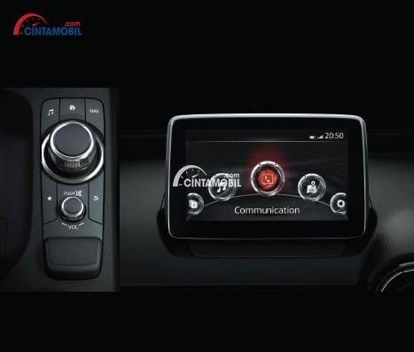 Gambar bagian dashboard mobil Mazda CX-3 2017 terdapat sebuah audio