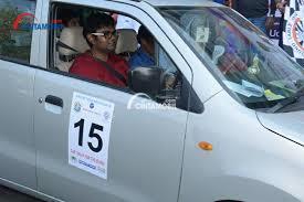 Tuna Netra Menjadi Navigator dalam Reli Mobil yang Diadakan di India