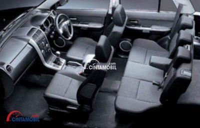 Kursi Suzuki Grand Vitara tampil lebih nyaman dengan menghadirkan fitur Reclining & Sliding Front Seats sehingga penumpang dapat merasakan posisi duduk yang stabil