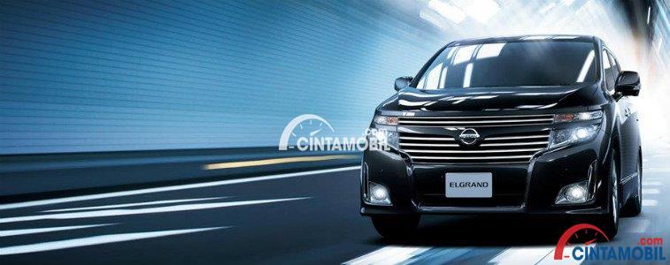 Nissan Elgrand mampu menyampaikan pesan keeleganan dari sebuah mobil MPV Premium