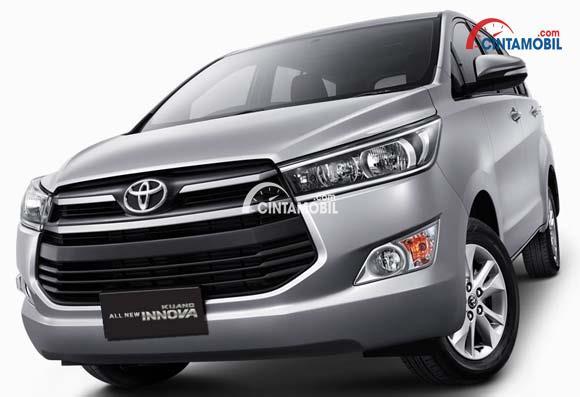 Toyota Kijang Innova tipe G menampilkan desain eksterior yang standar daripada varian lainnya