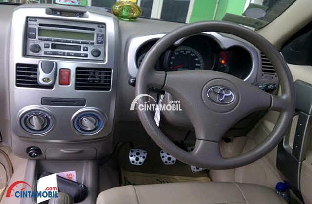 gambar bagian interior mobil Toyota Rush 2009