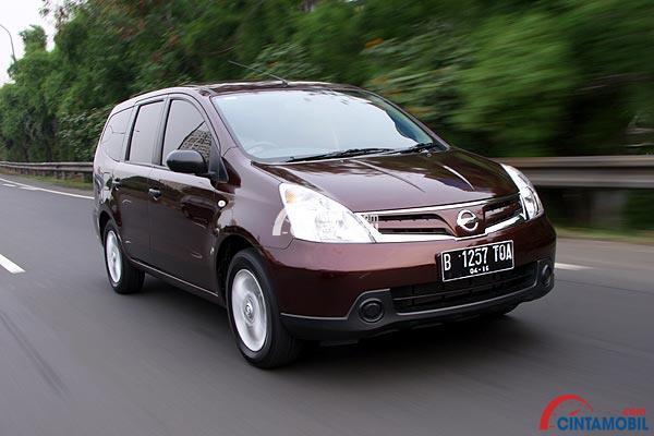 Nissan Grand Livina tipe SV akan menjadi varian paling standar