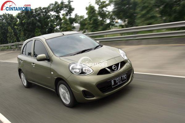 Nissan March tipe 1.2 Liter menjadi varian terendahnya yang mengusung tampilan paling sederhana daripada varian lainnya