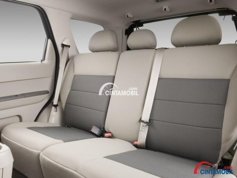Gambar bagian kursi mobil Ford Escape 2008
