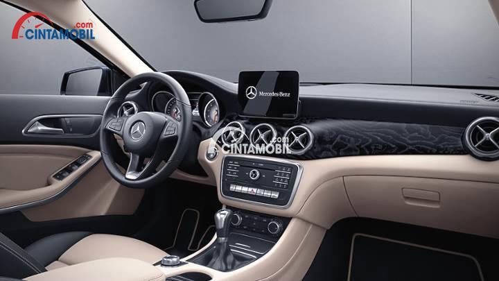 Gambar bagian dashboard mobil Mercedes-Benz GLA 200 AMG Line 2017