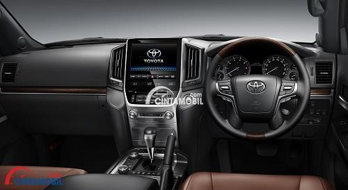 Dashboard Mewah di mobil Toyota Land Cruiser 2016
