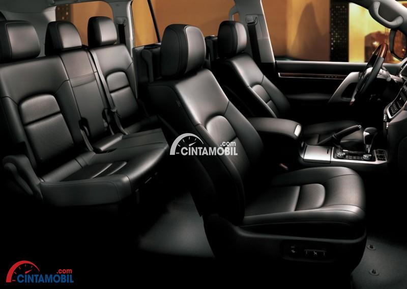 Paduan Warna Elegan Antara Jok dan Kabin di mobil Toyota Land Cruiser 200 2016