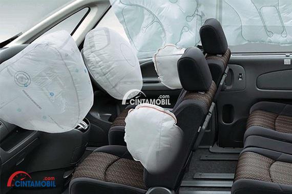 Fitur airbag pada bagian depan mobil Nissan Serena HWS 2015